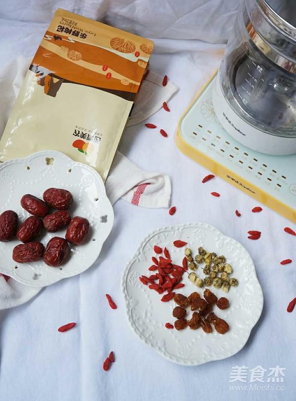养颜还补血——枸杞红枣桂圆菊花茶的做法大全