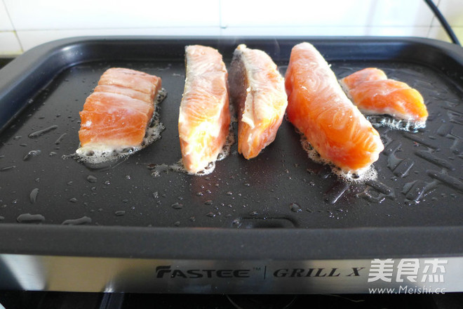黑椒三文鱼怎么煮