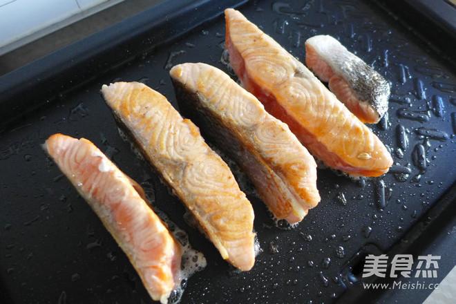 黑椒三文鱼怎么炖