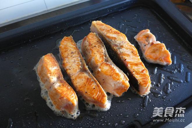 黑椒三文鱼怎么煸
