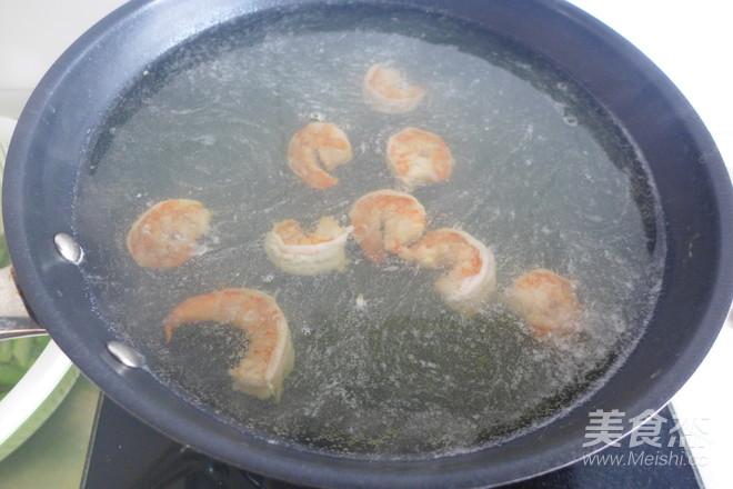 芦笋虾仁炒鸡蛋怎么做