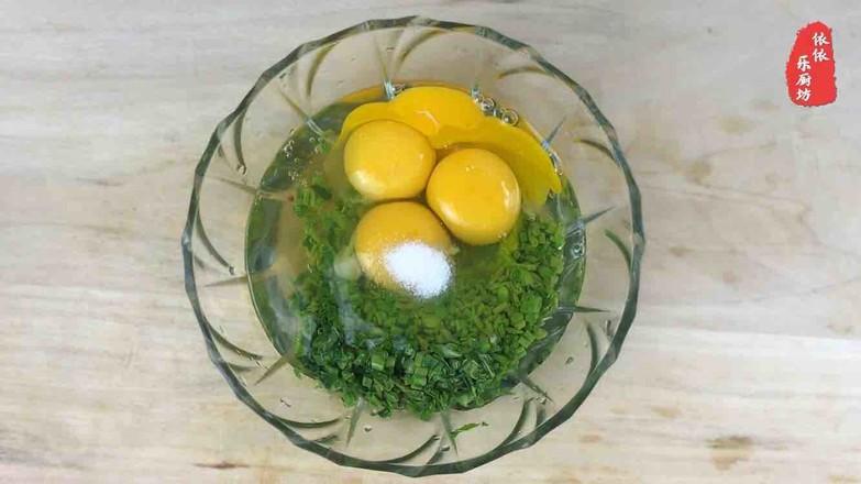 香椿鸡蛋饼的家常做法