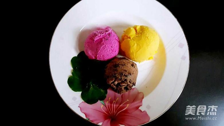 火龙果冰淇淋成品图