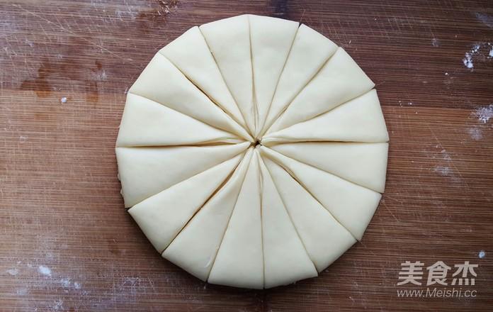 黄油手撕面包卷怎么煸