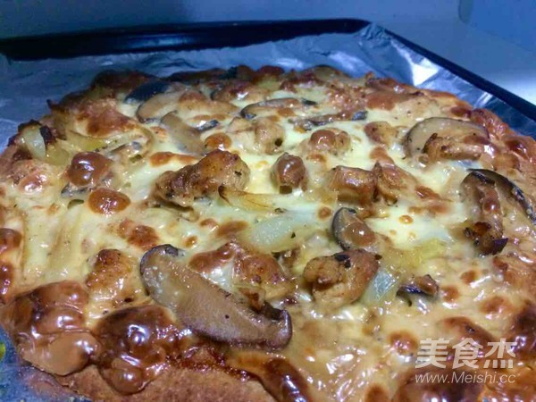 香菇鸡肉全麦披萨成品图