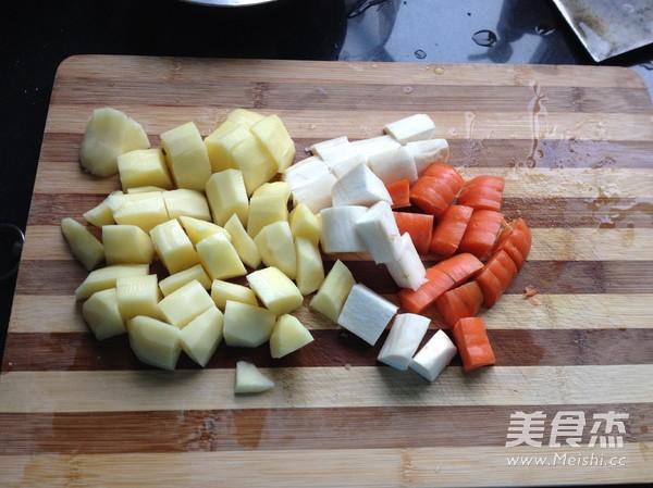 杏鲍菇土豆排骨焖饭怎么做