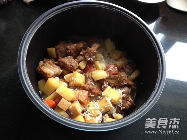 杏鲍菇土豆排骨焖饭怎么炖