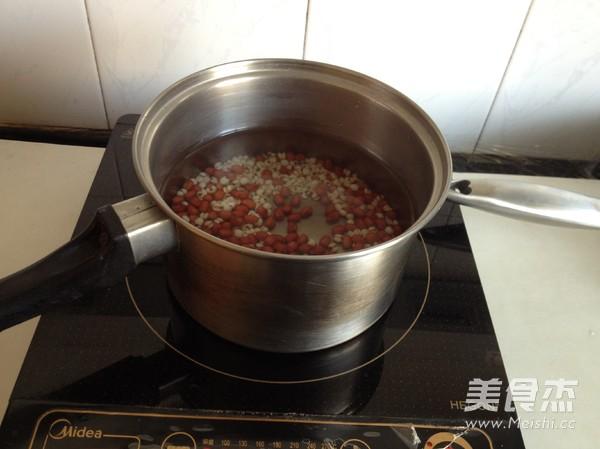 桃胶薏米红豆羹的简单做法