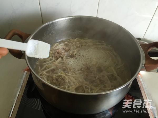 金针菇肥牛汤怎么做