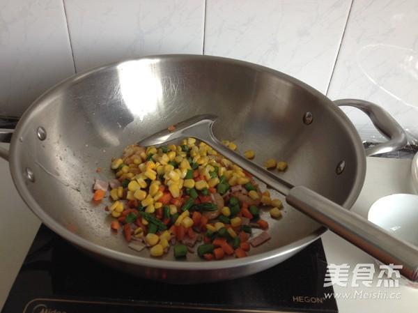 虾仁培根焗饭的简单做法