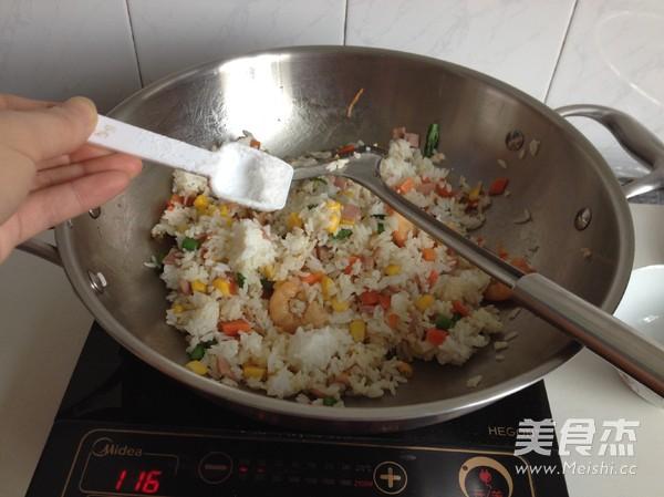 虾仁培根焗饭怎么吃