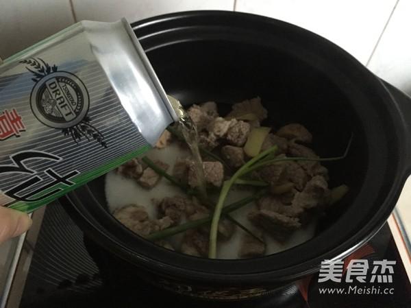 西红柿土豆牛腩煲的家常做法
