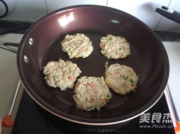 虾仁豆腐饼怎么炒