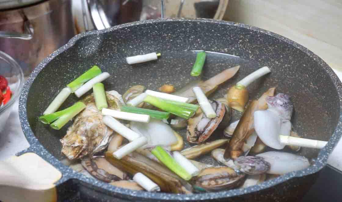 简单两步,教你做超嫩的捞汁小海鲜的家常做法