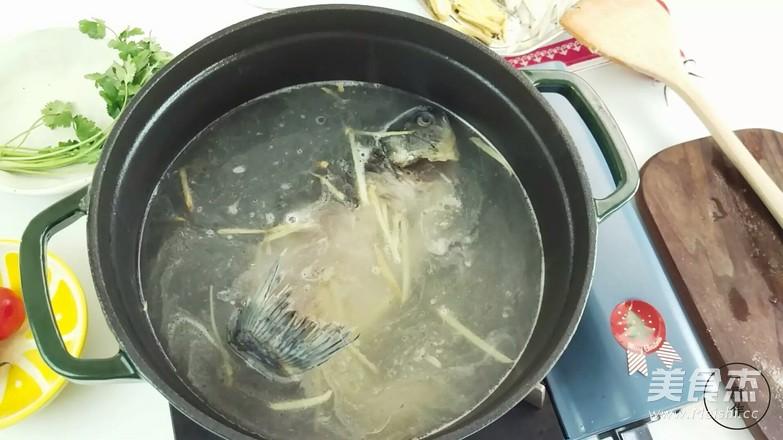 鲫鱼萝卜汤怎么吃