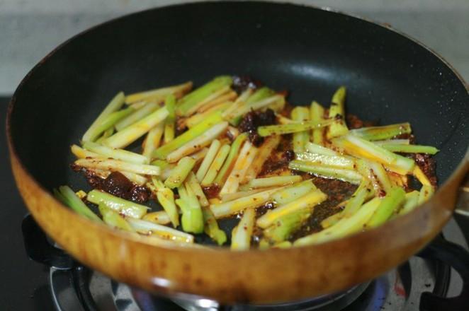 芹菜炒牛肉怎么吃