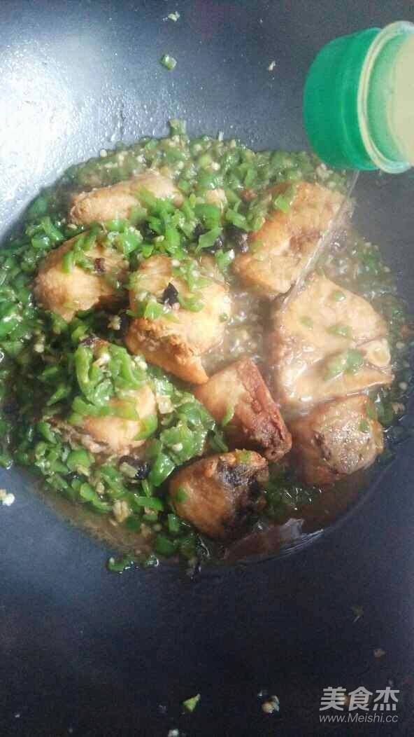 青椒豆豉焖草鱼怎么煮