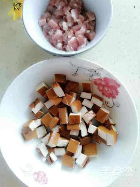 肉丁香干炒毛豆的做法图解