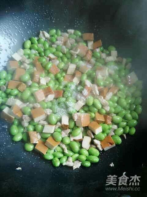 肉丁香干炒毛豆怎么做