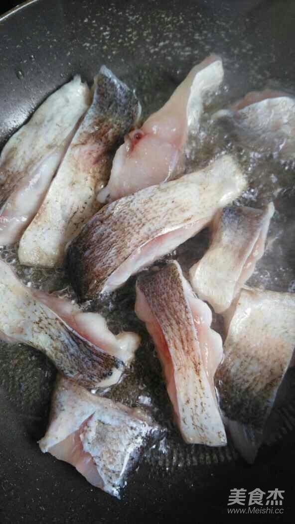 青椒烧鲢鱼的简单做法