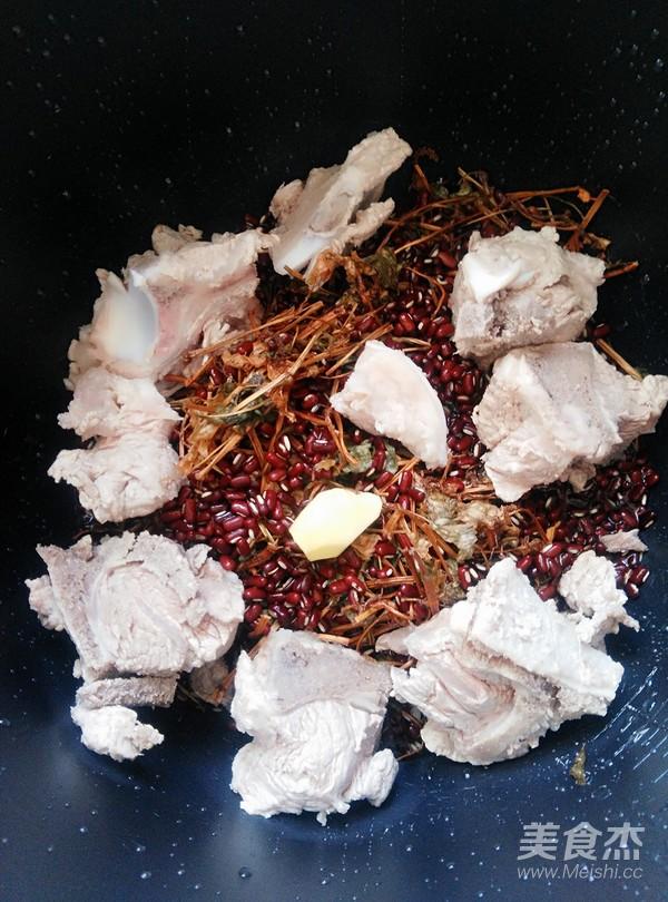 赤小豆鱼腥草骨头汤怎么做