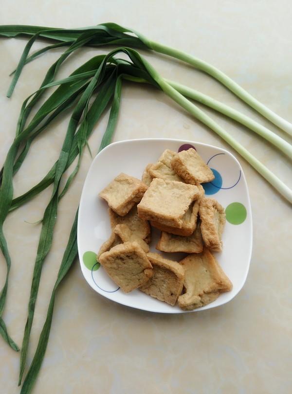 青蒜烧油豆腐的做法大全