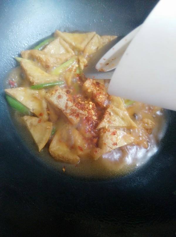 青蒜烧油豆腐怎么炖