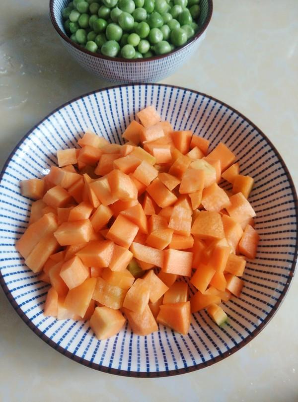 胡萝卜豌豆糯米饭的做法图解