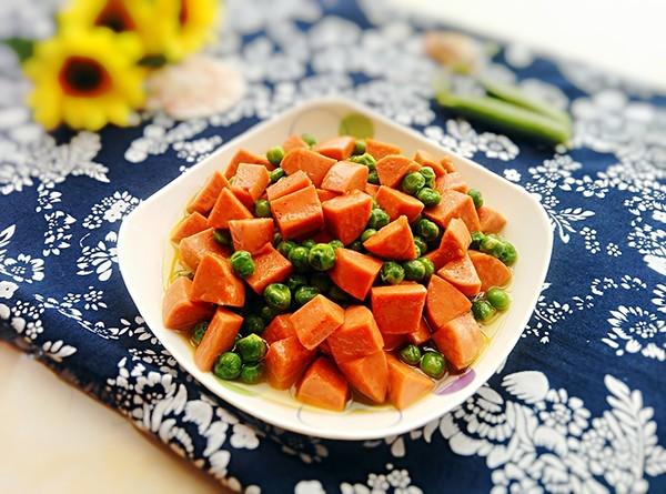 豌豆炒火腿腸成品圖