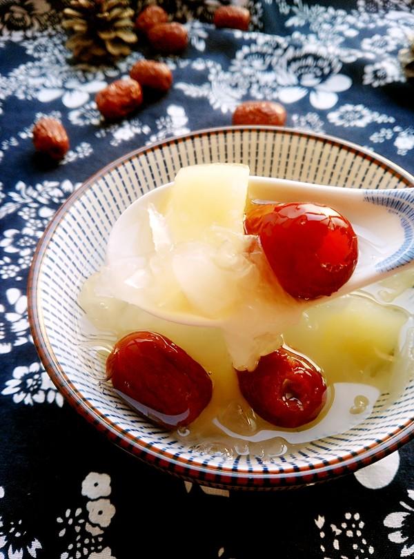 苹果红枣银耳羹成品图