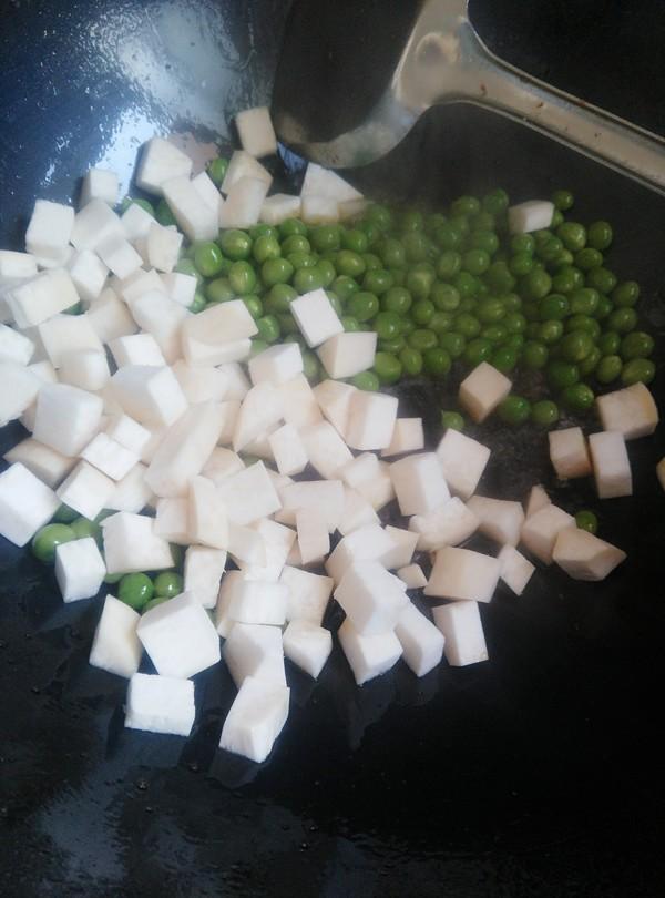 豌豆杏鲍菇炒肉丁怎么炒