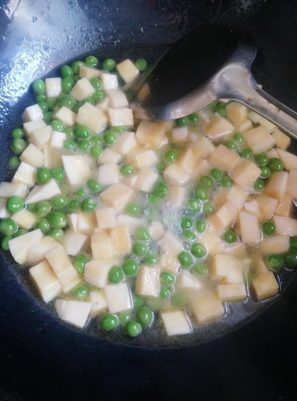 豌豆杏鲍菇炒肉丁怎么煮