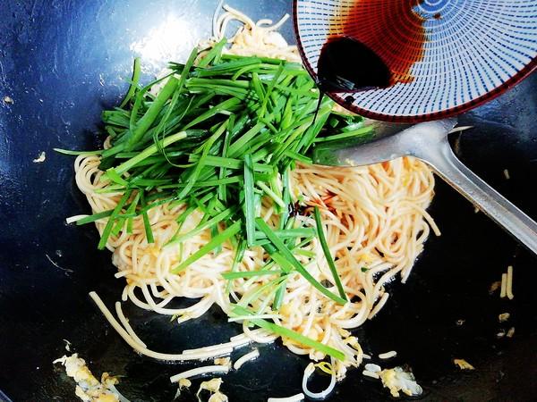 韭菜银芽炒面怎么吃