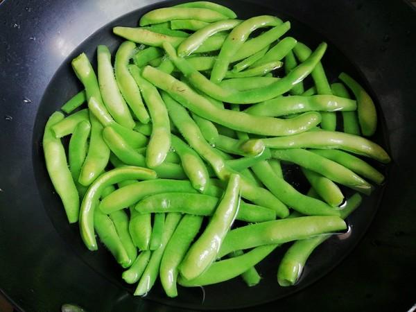 腊肉炒酸四季豆的做法图解