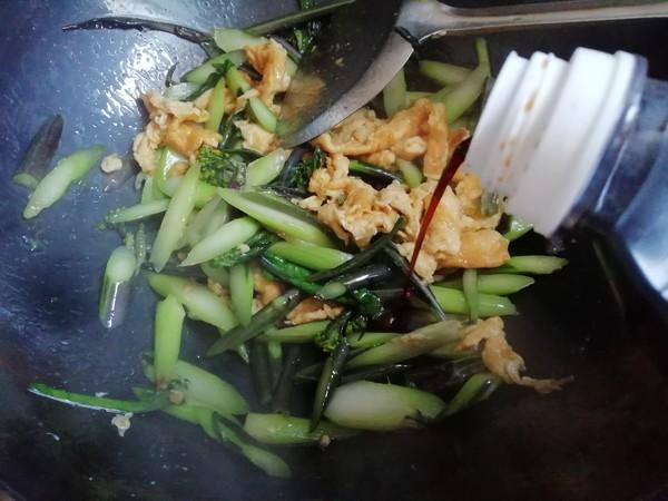红菜苔炒鸡蛋怎么炒