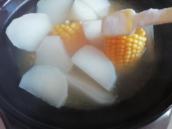 白萝卜玉米骨头汤怎么吃