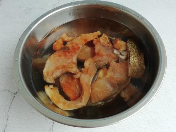 腊鱼焖豆腐的家常做法