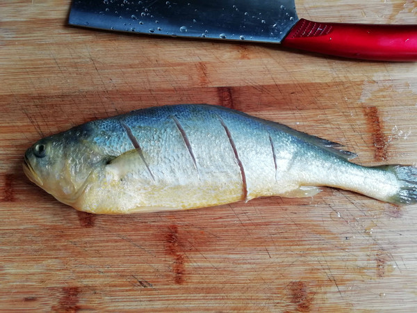 清蒸黄鱼的步骤