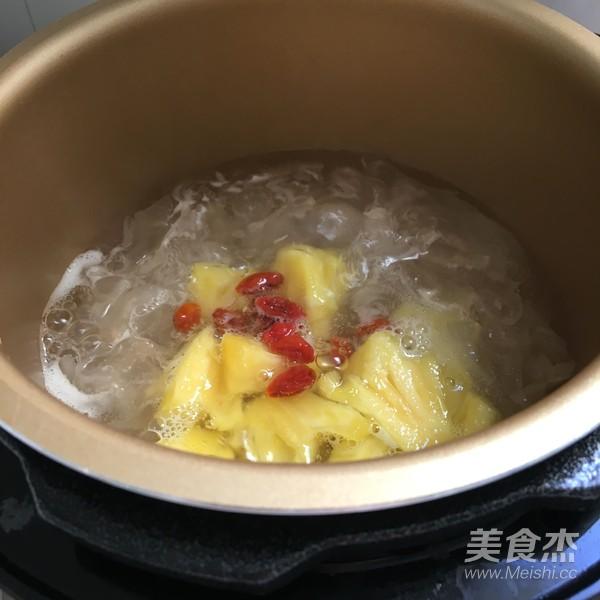 银耳菠萝糖羹怎么做