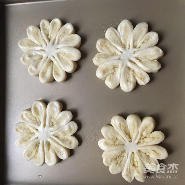 椰蓉花朵面包怎样炖