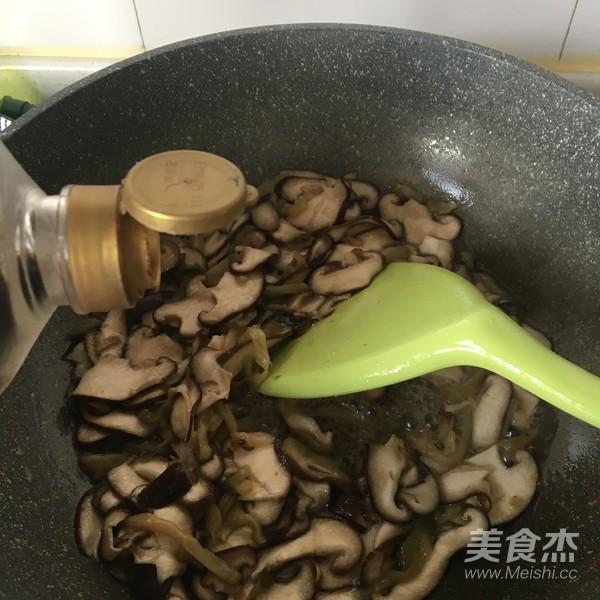 下饭菜香菇榨菜肉丝怎么炖