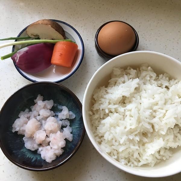 五彩虾仁炒饭的步骤