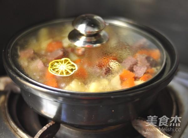 柚子味土豆烧牛肉怎么煸