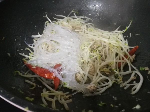 炒合菜-配米饭和春饼都能吃到撑怎么做