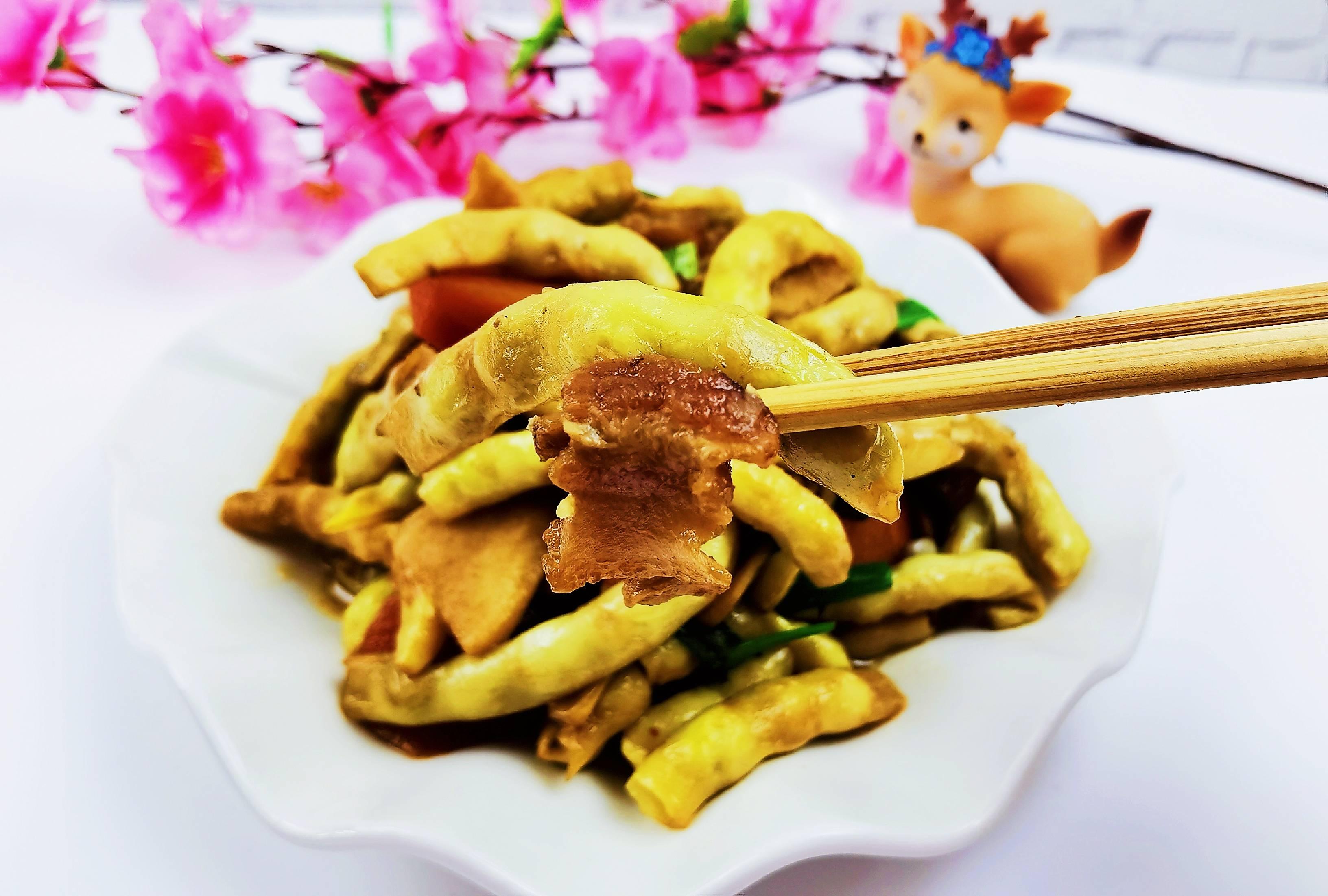 我是半滴雨#来自内蒙古#,参赛作品为农家豆角小炒肉,豆大饱满营养下饭怎么煮