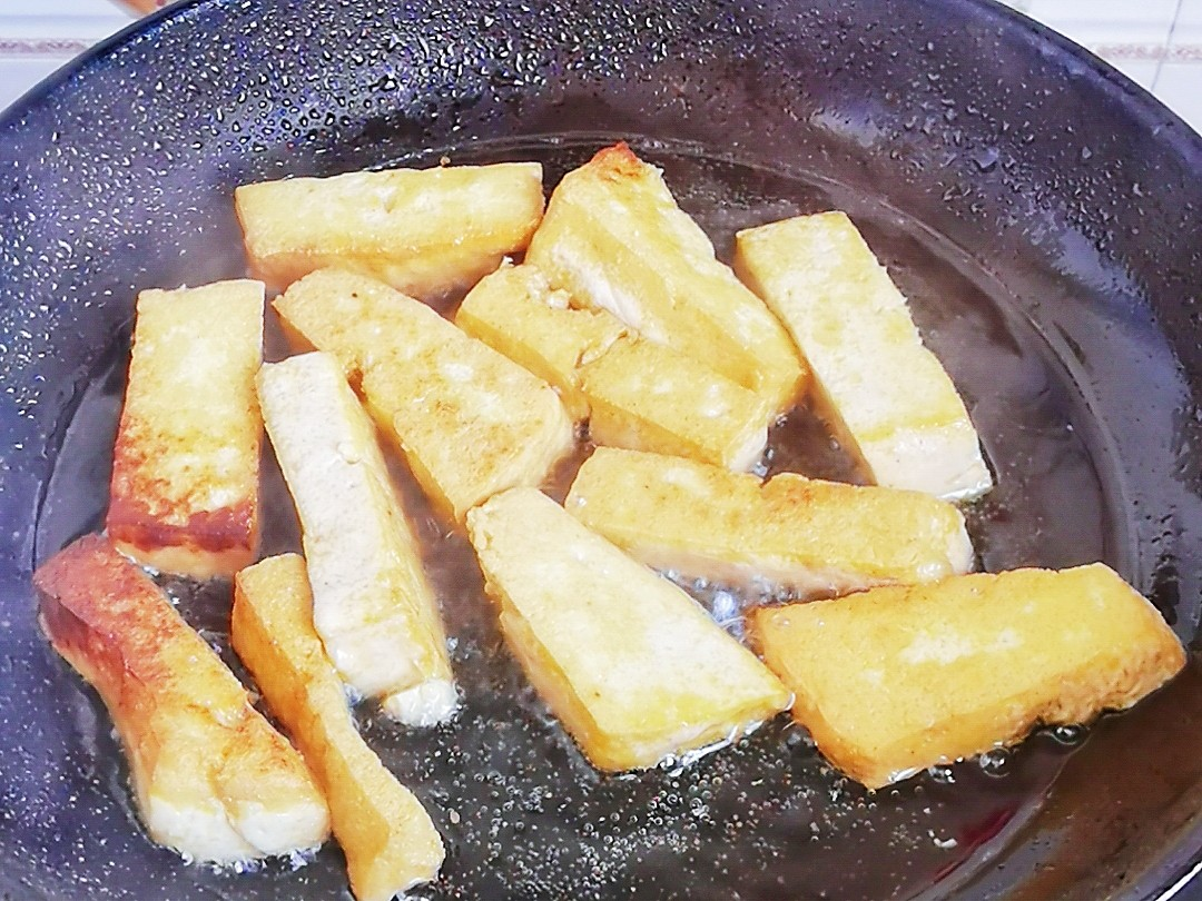 简单粗暴下饭菜-小白菜炒豆腐,白菜豆腐保平安的简单做法