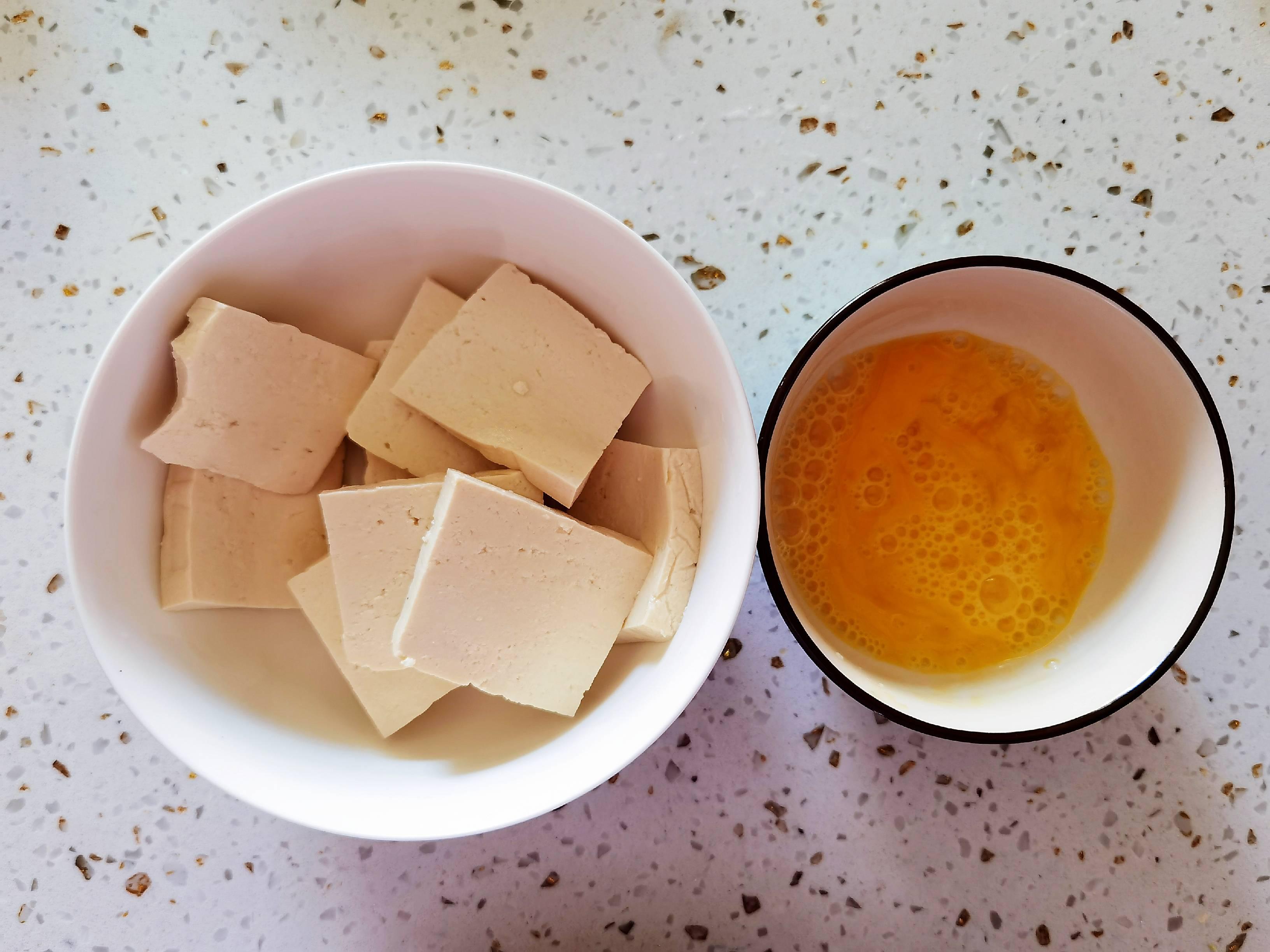 冬日暖胃家常菜-豆腐粉丝煲,荤素搭配,经济实惠又美味的做法大全