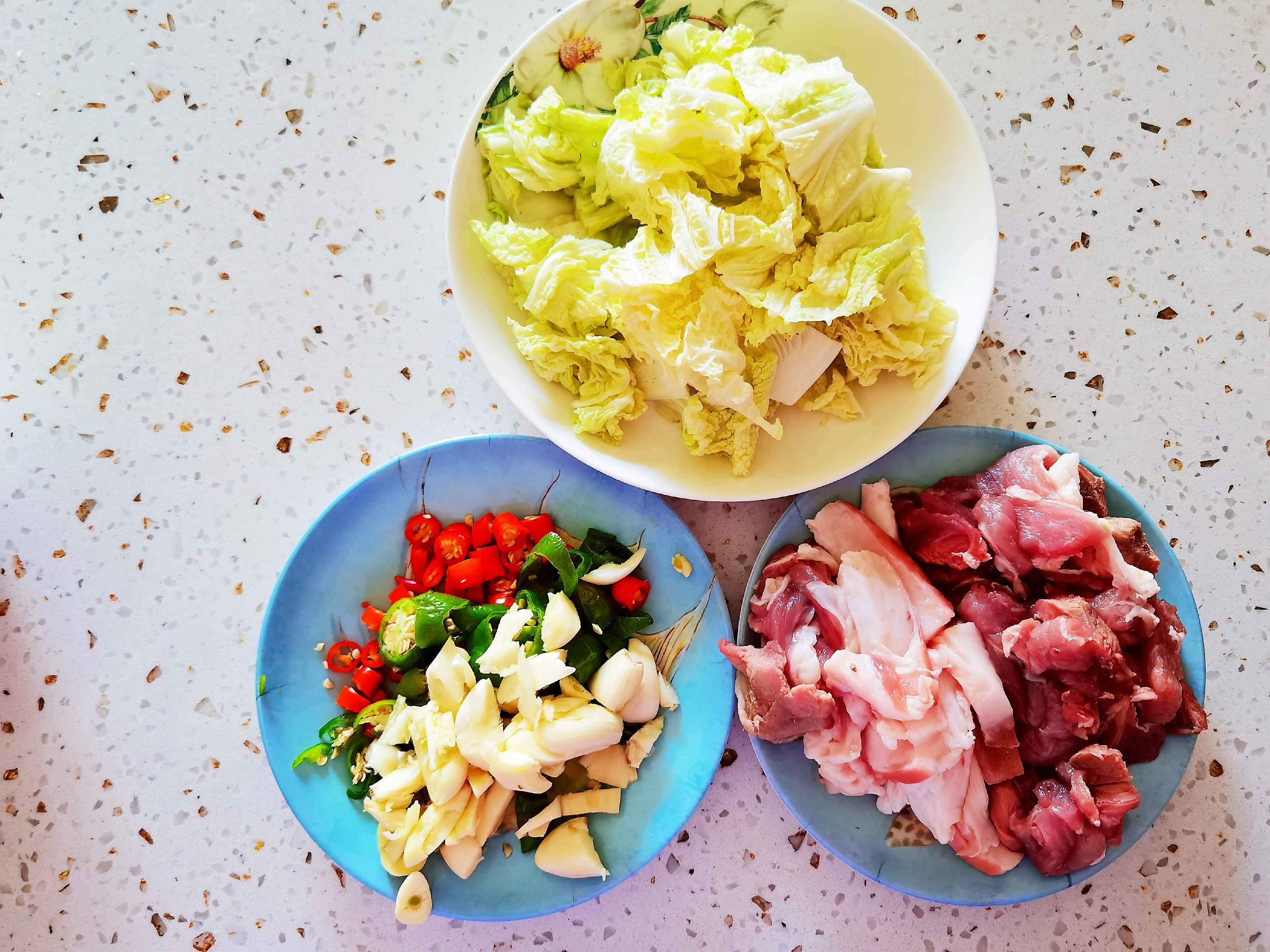 冬日暖胃家常菜-豆腐粉丝煲,荤素搭配,经济实惠又美味的做法图解