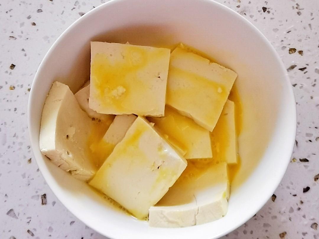 冬日暖胃家常菜-豆腐粉丝煲,荤素搭配,经济实惠又美味的简单做法