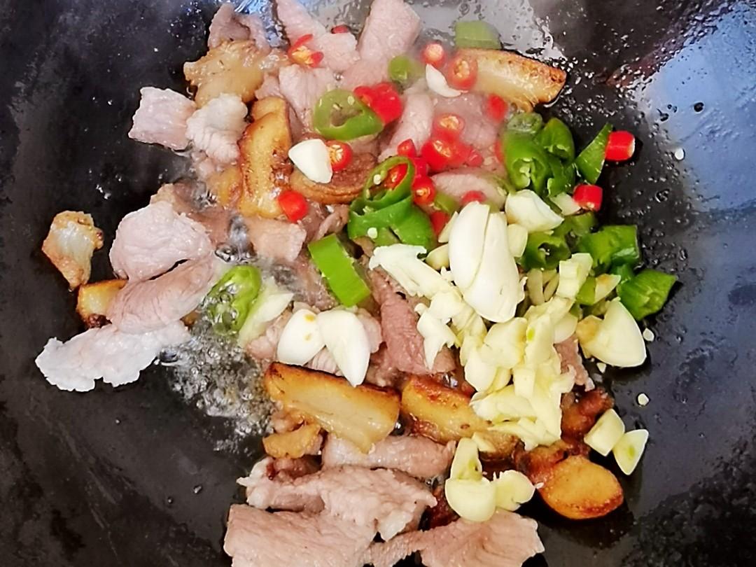 冬日暖胃家常菜-豆腐粉丝煲,荤素搭配,经济实惠又美味怎么炖